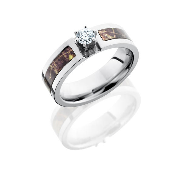 Mossy Oak Camo Round Brilliant Cobalt Ring