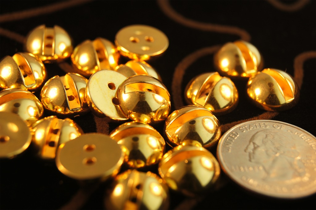2 Hole Fashion Dome Gold Buttons
