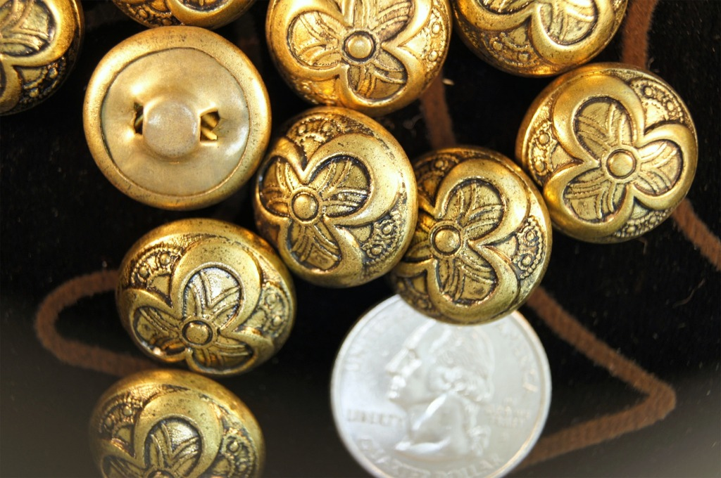 Vintage Gold Metal Flower Dome Buttons